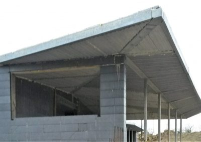 Cantilevered Roof
